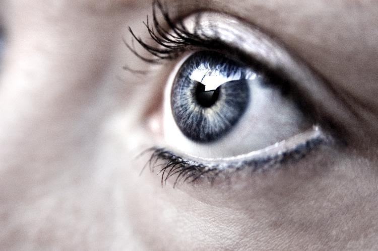 Design-ul lentilelor de contact: de la utilitate la efecte speciale
